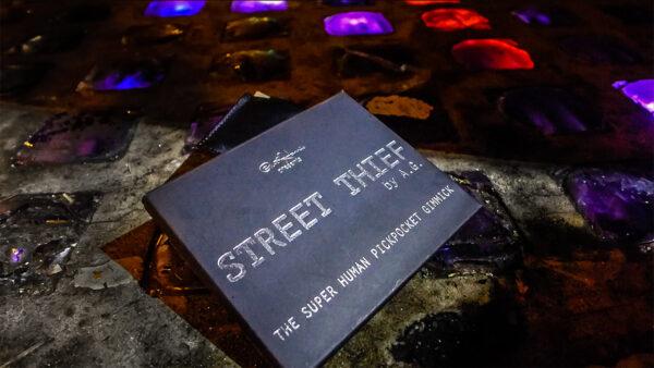 Paul Harris Presents Street Thief (U.S. Dollar - BLACK) by Paul Harris