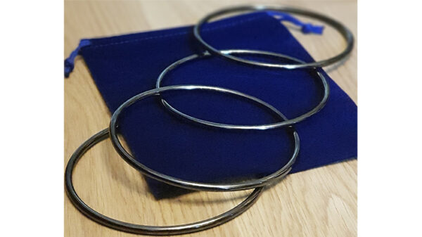 Close Up Linking Rings CHROME BLACK (With Online Instructions) by Matthew Garrett