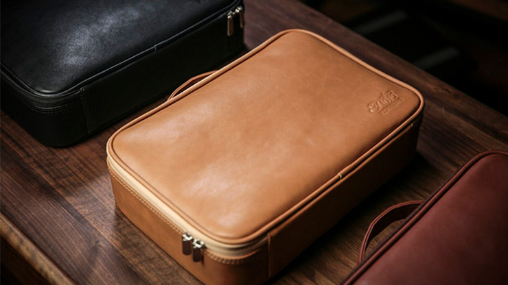 Luxury Close-Up Bag (Camel Brown) by TCC